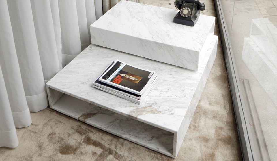 Box set in ochiro marble