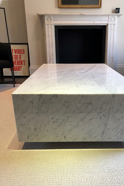 BOX LONDON in carrara marble