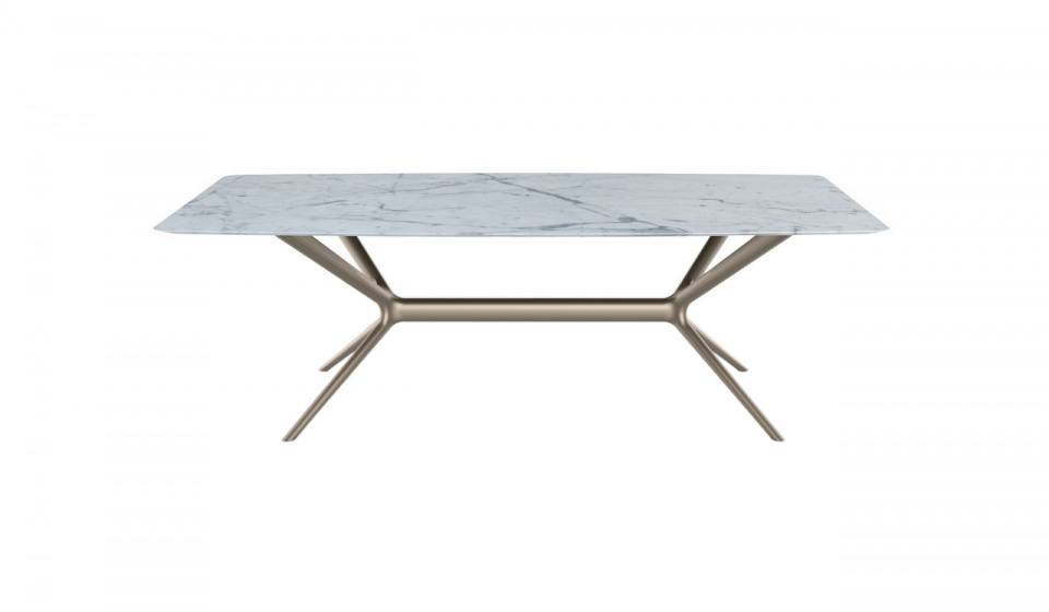 Table top in carrara marble and base in mdf lacquered