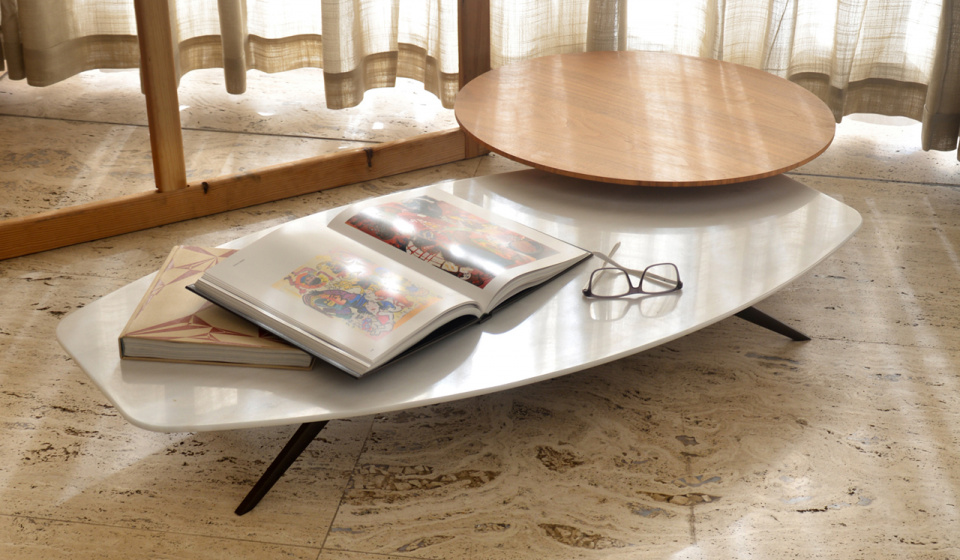 Solinas coffee table in Estremoz Vr1 marble and Diamerisma in walnut wood